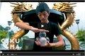 תראו מה הבחור היפני עושה עם כדורי קריסטל