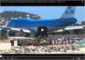 מטוס מעיף אנשים בחוף